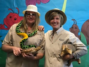 Tonya Leavitt April Munt first grade teachers dressed as explorers